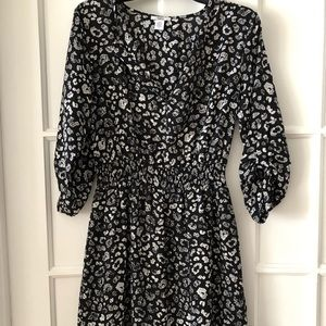 Black and white floral print dress with 3/4 sleeve